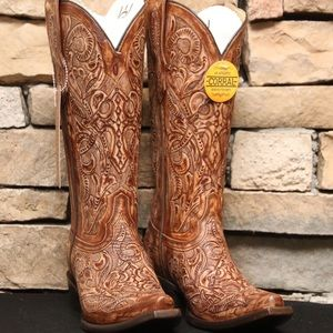 Corral Brown Intricately Tooled Snip Toe Boot